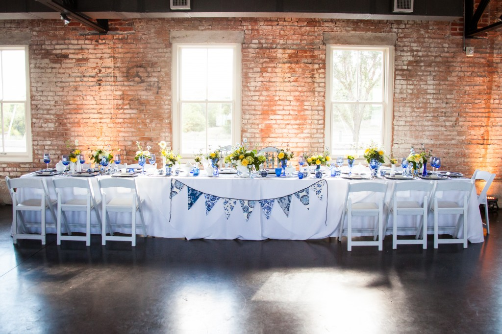 Head Table Dixie Does Vintage
