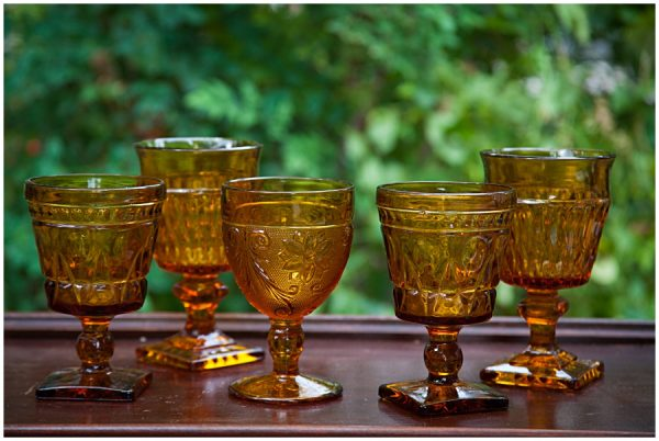Dallas Water Company >> Assorted Vintage Amber Colored Glass Goblets $2.10